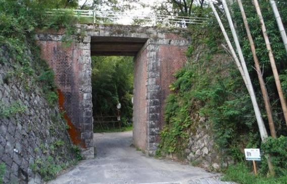 赤橋(大仏鉄道以降)木津川市城山台